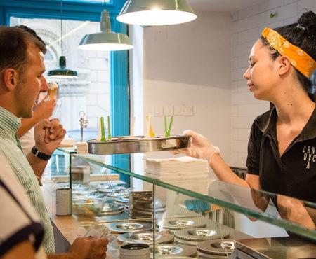Frische und lokale Zutaten in einem Eiscafé